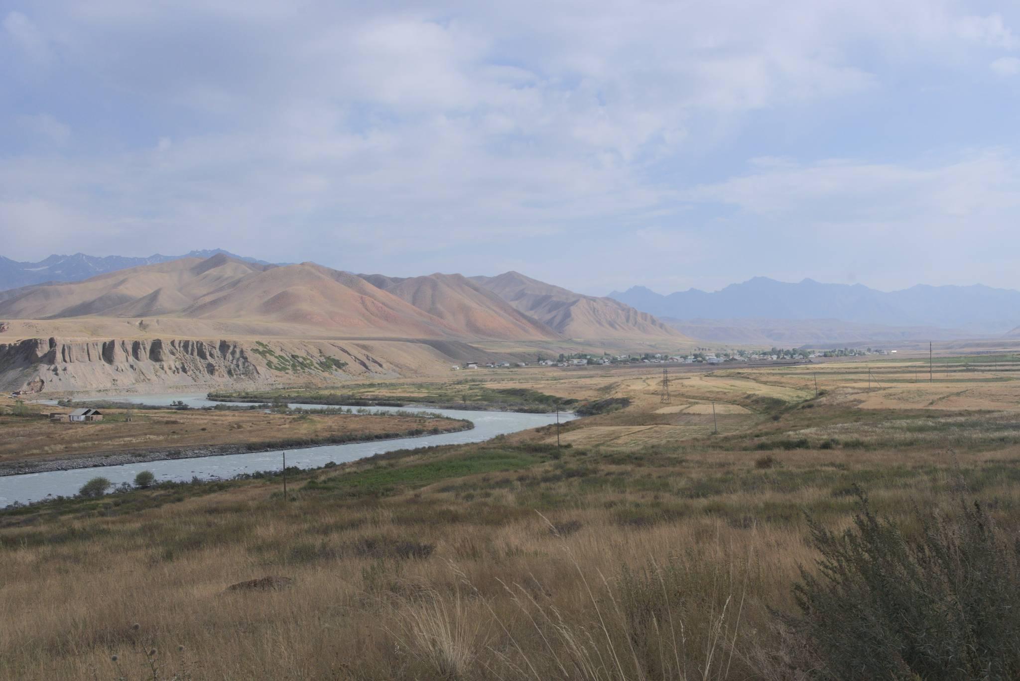 A za miastem dolina Narynu