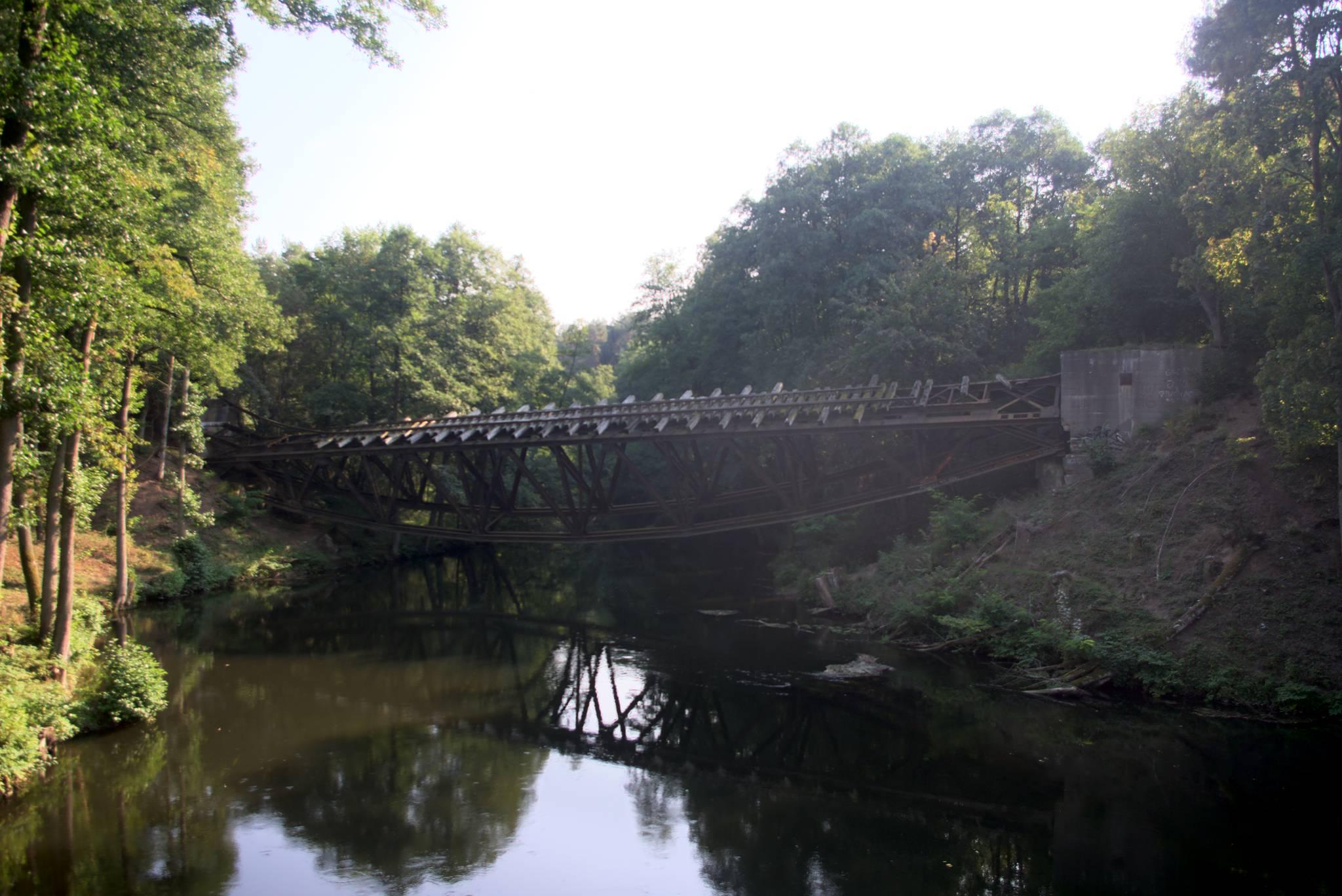 zarwany most kolejowy za Jastrowiem