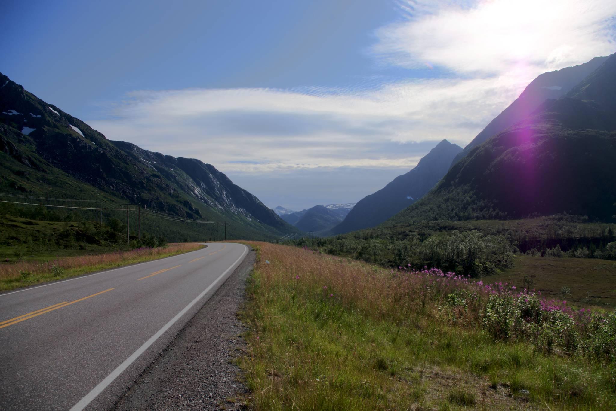 Góry coraz wyższe i wyższe, druga tunelami na Lofoty