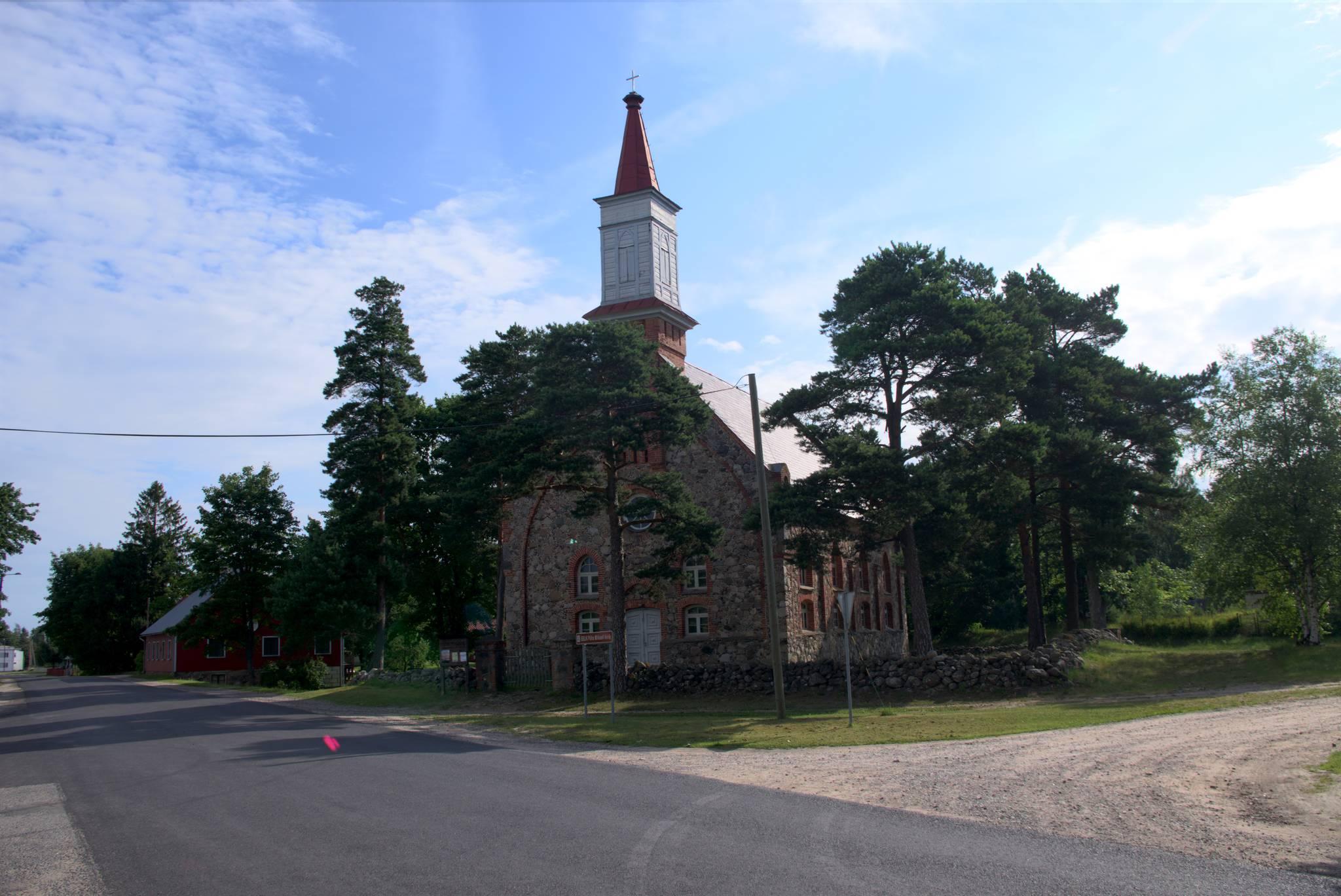 kolejny kamienny kościół