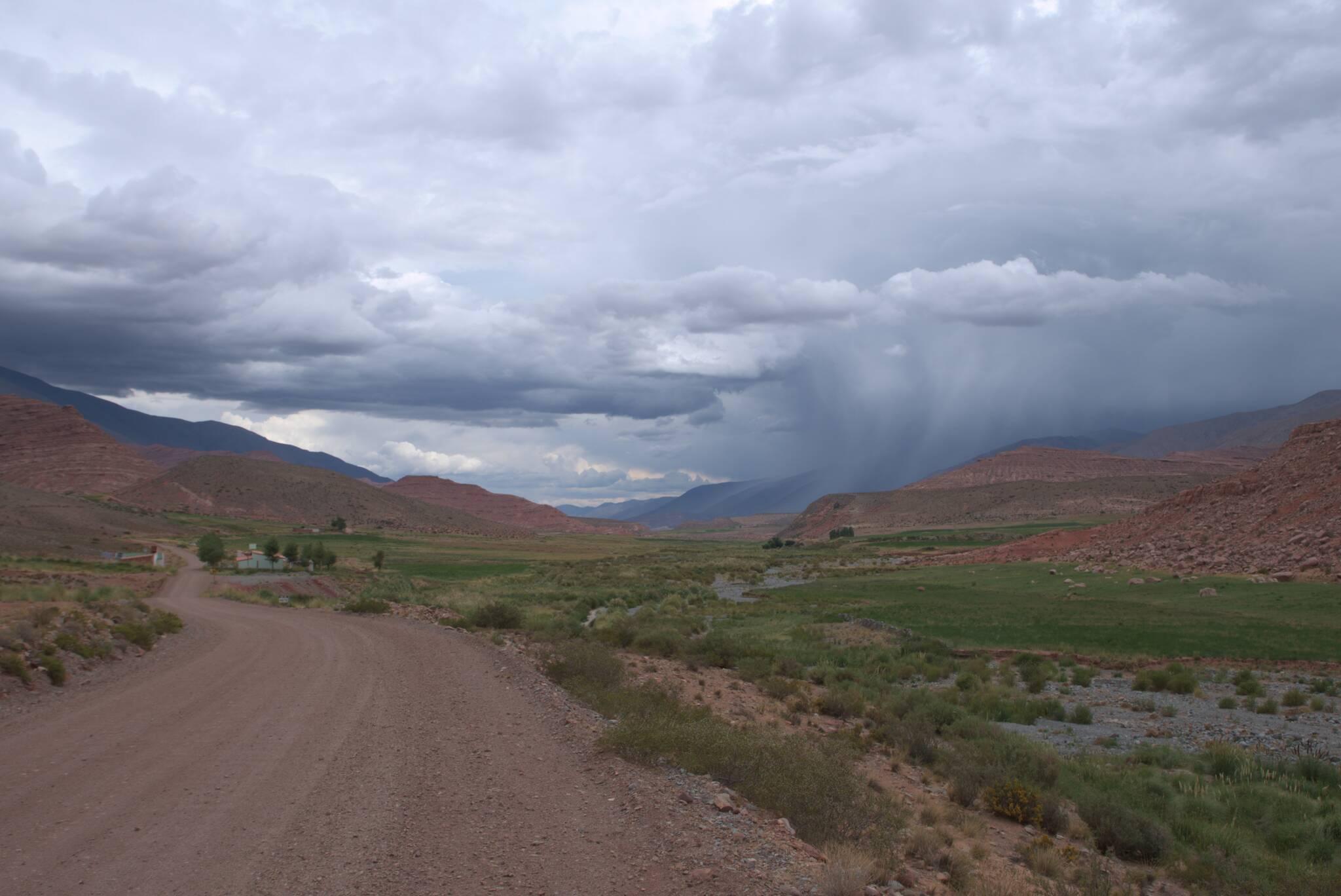 Przez dolinę przechodzą burze