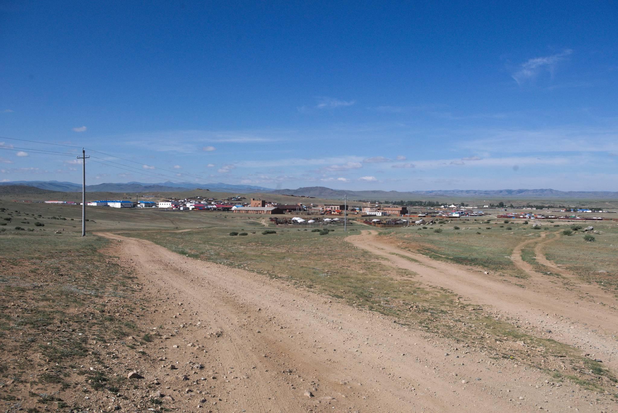 Baruun Turuun, ostatnia wieś przed pustynią.