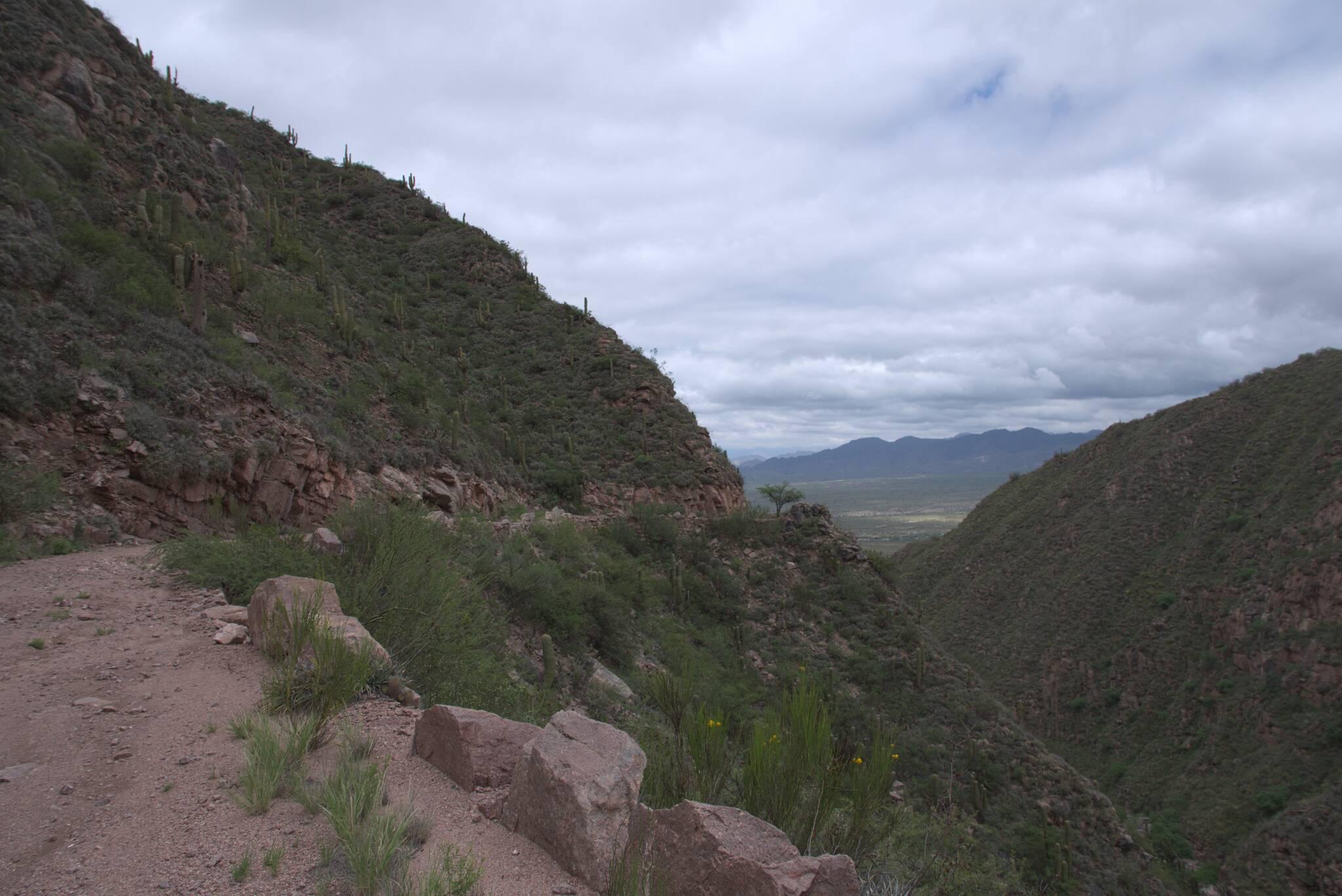 Cuesta de Zapata, parę lat temu ktoś się tu stoczył w dół terenówką