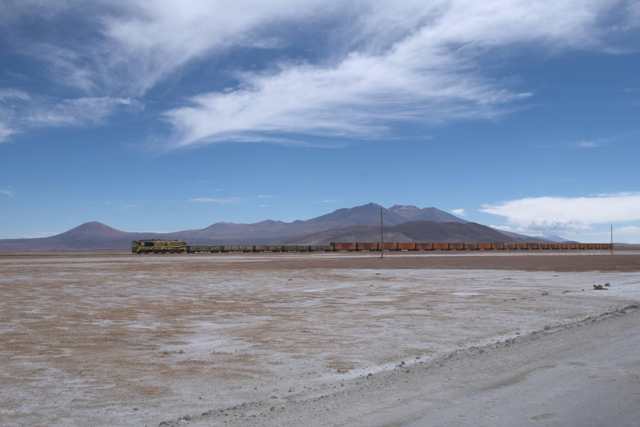 Boliwijski pociąg po drugiej stronie granicy