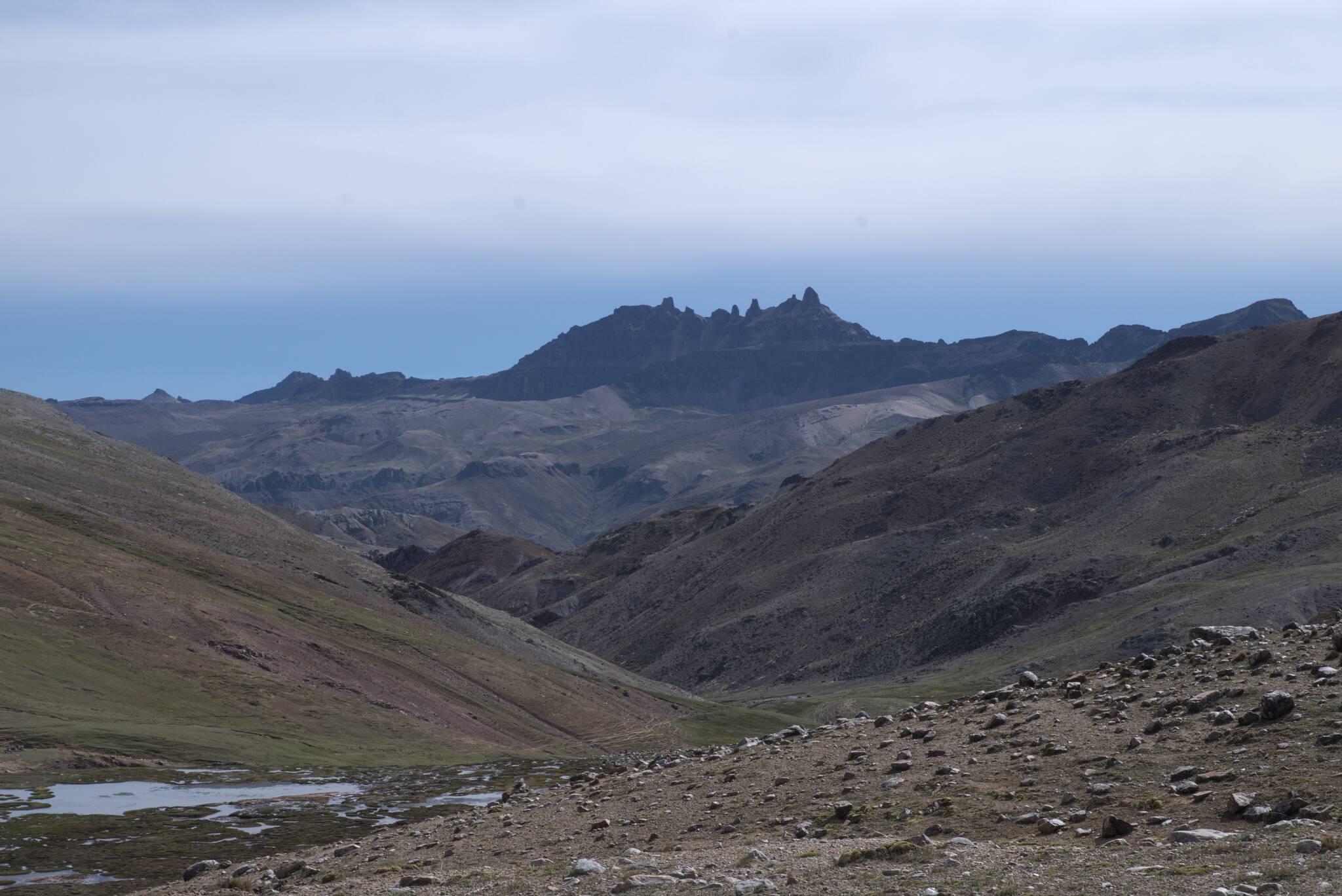 Bardzo charakterystyczne szczyty, ale nie udało mi się znaleźć co to dokładnie.