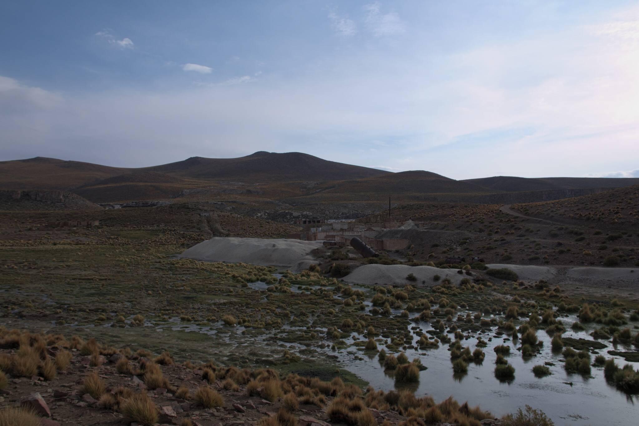 To jest powód dla powstania drogi na wulkan, opuszczona kopalnia siarki