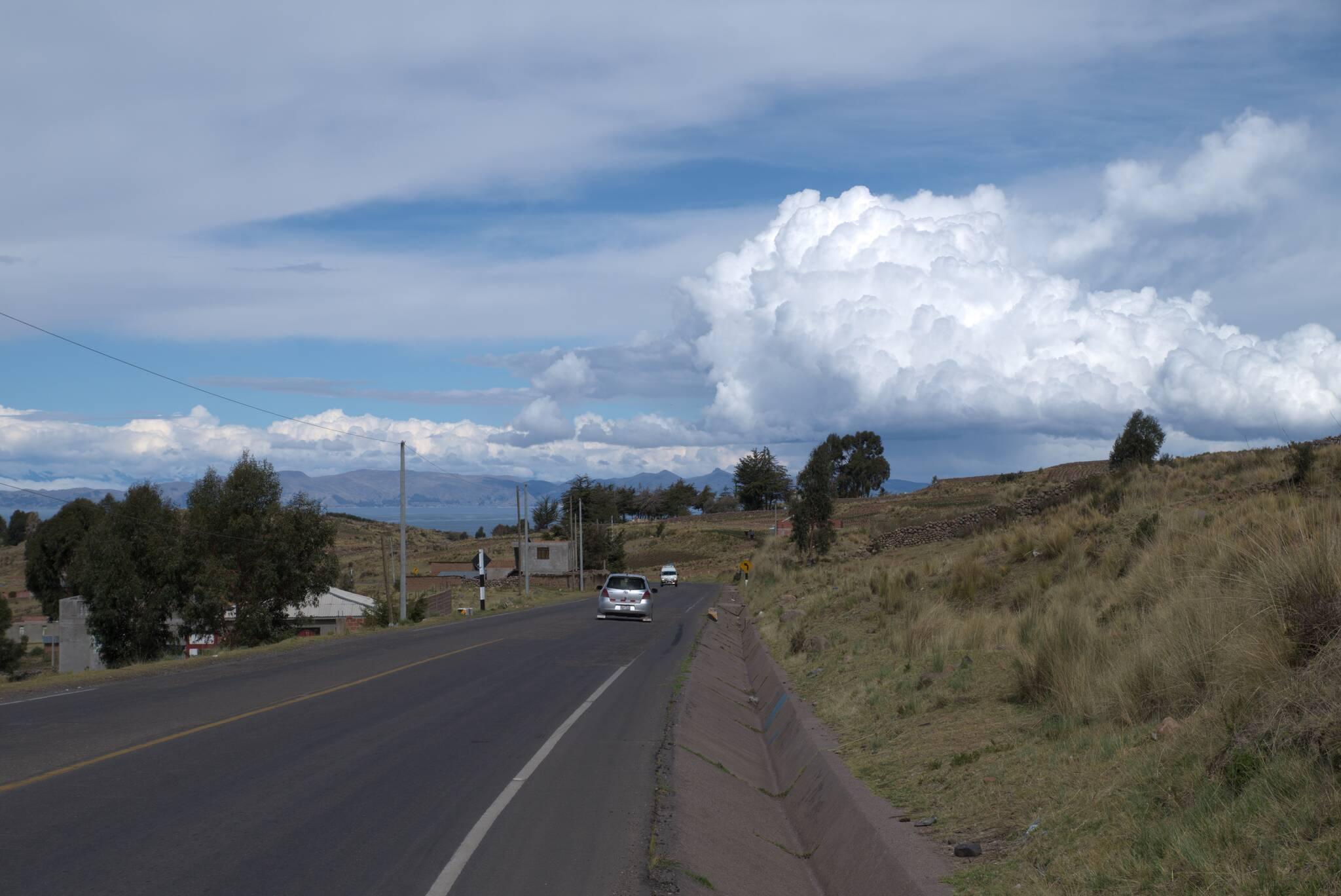 Droga do granicy jest dosyć tłoczna, ale nie bardzo istnieje alternatywa