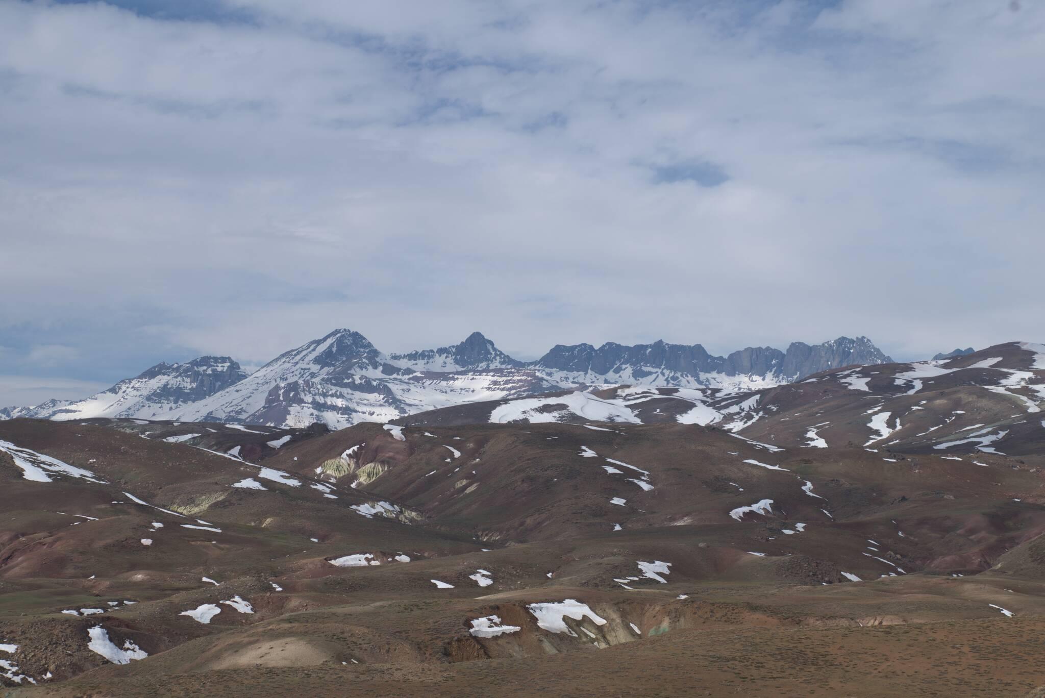 Za przełęczą jest znacznie więcej śniegu
