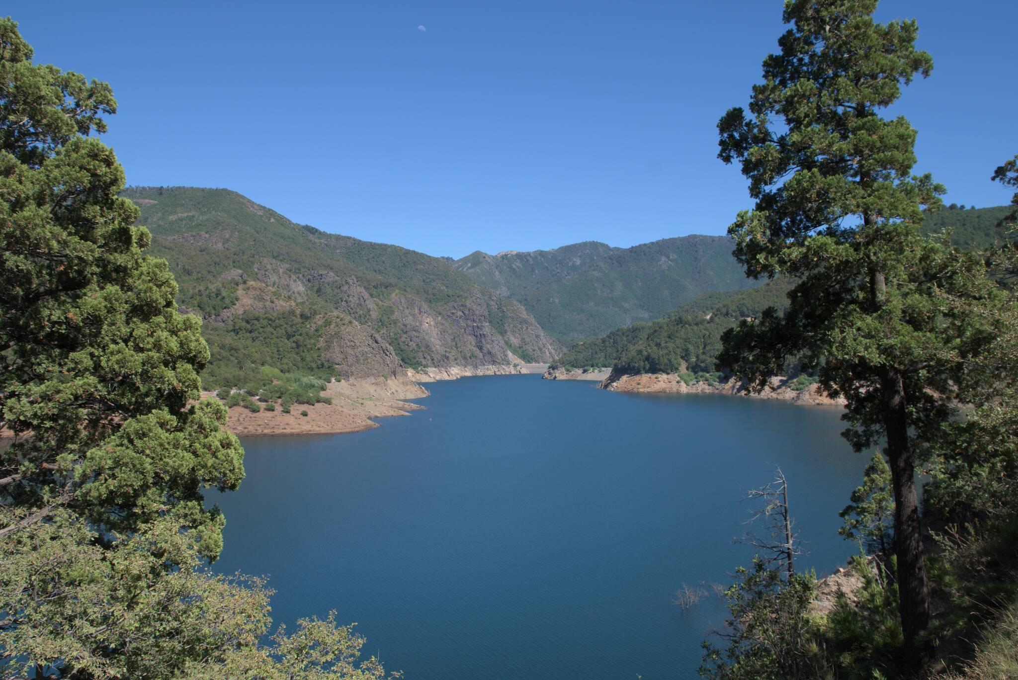 Kolejny zbiornik na Biobio, jezioro Ralco