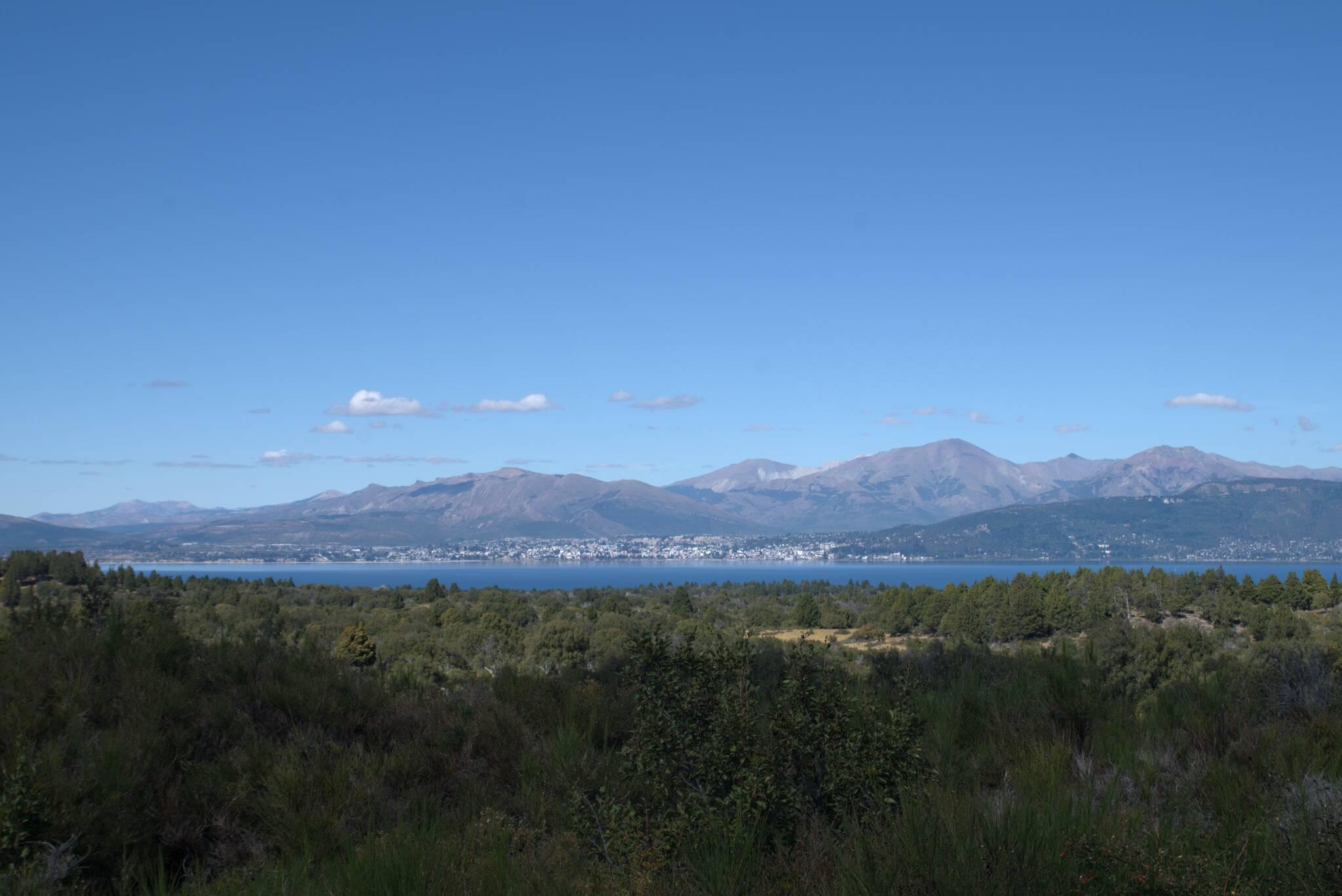Bariloche po drugiej stronie jeziora