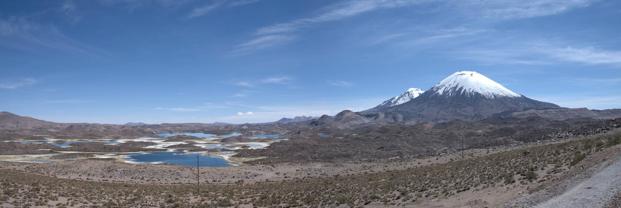 Wylewy lawy utworzyły jezioro i kilka mniejszych