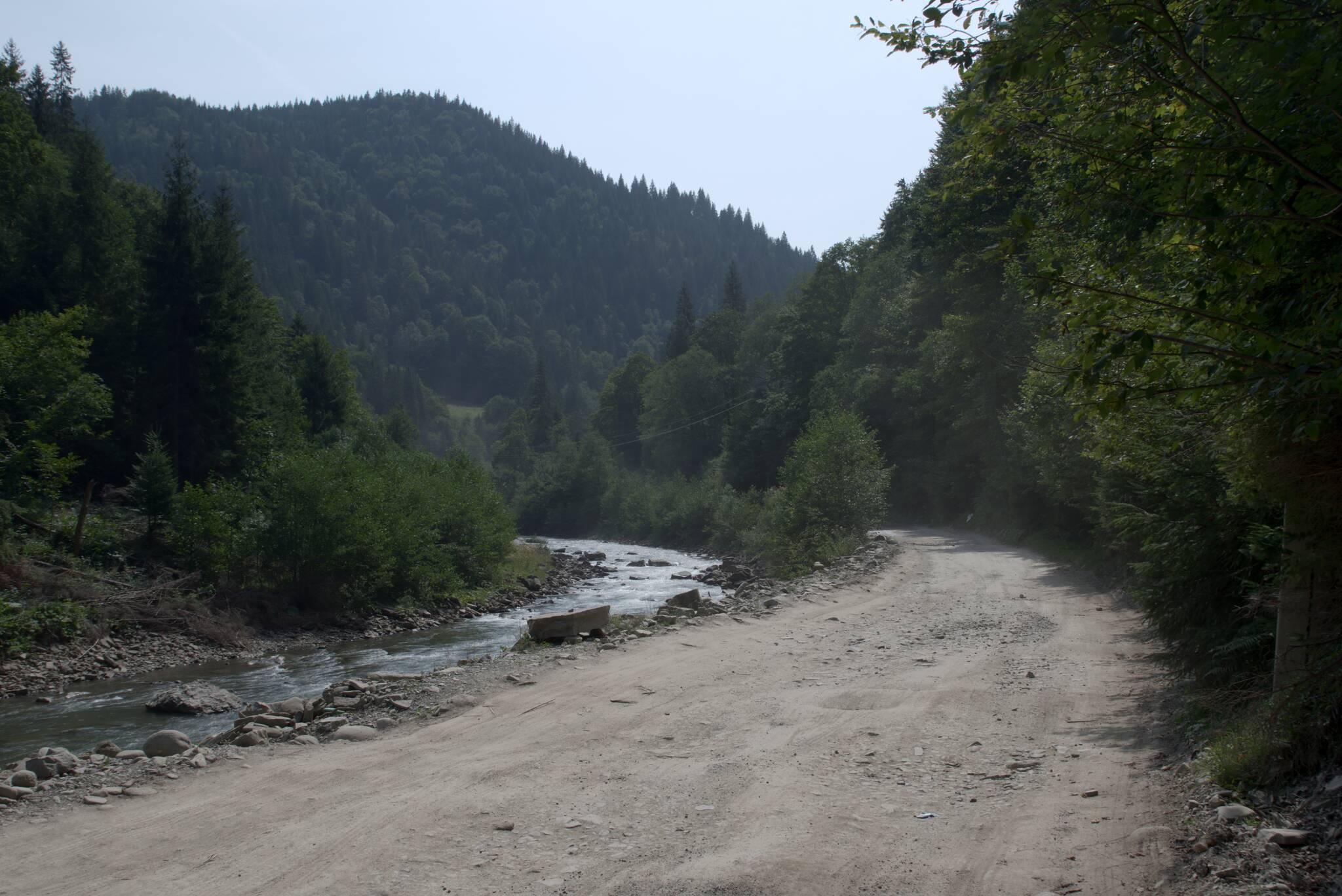 Droga w górę Czarnego Czermoszu