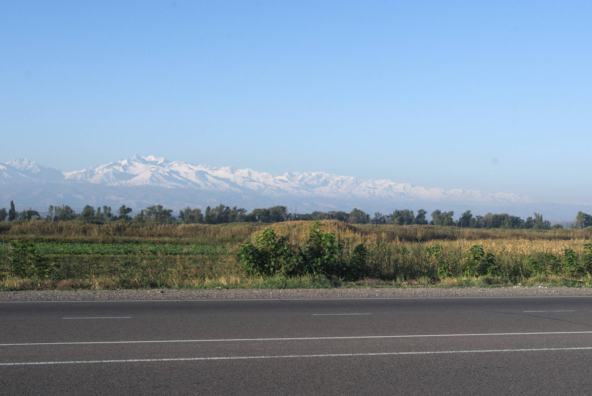 Góry nad Biszkekiem również białe