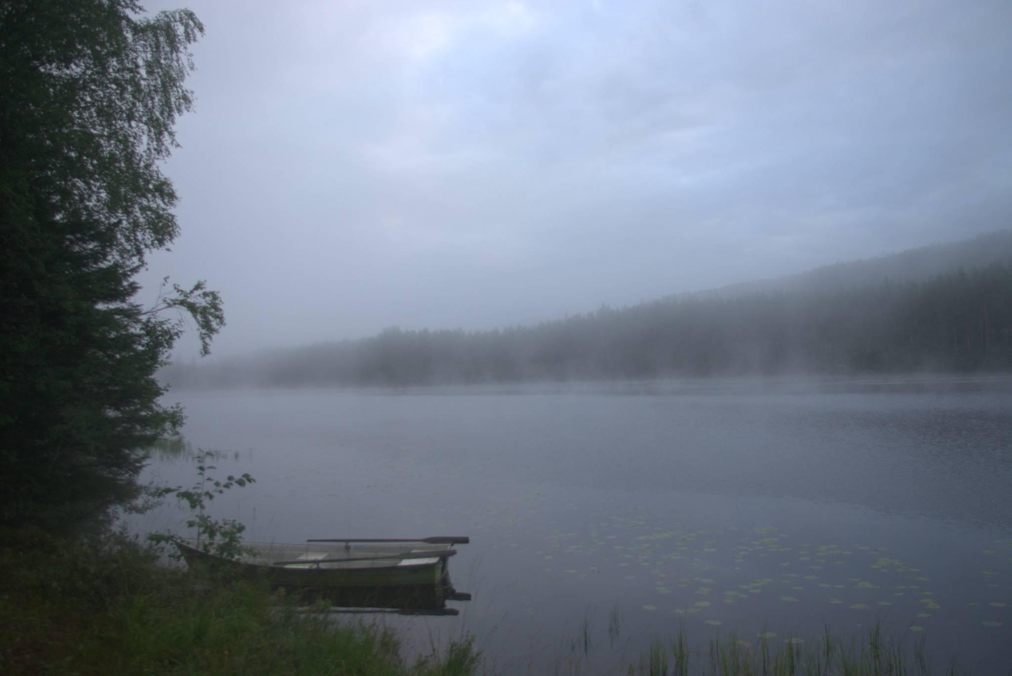 poranek nad jeziorem, juz po szwedzkiej stronie
