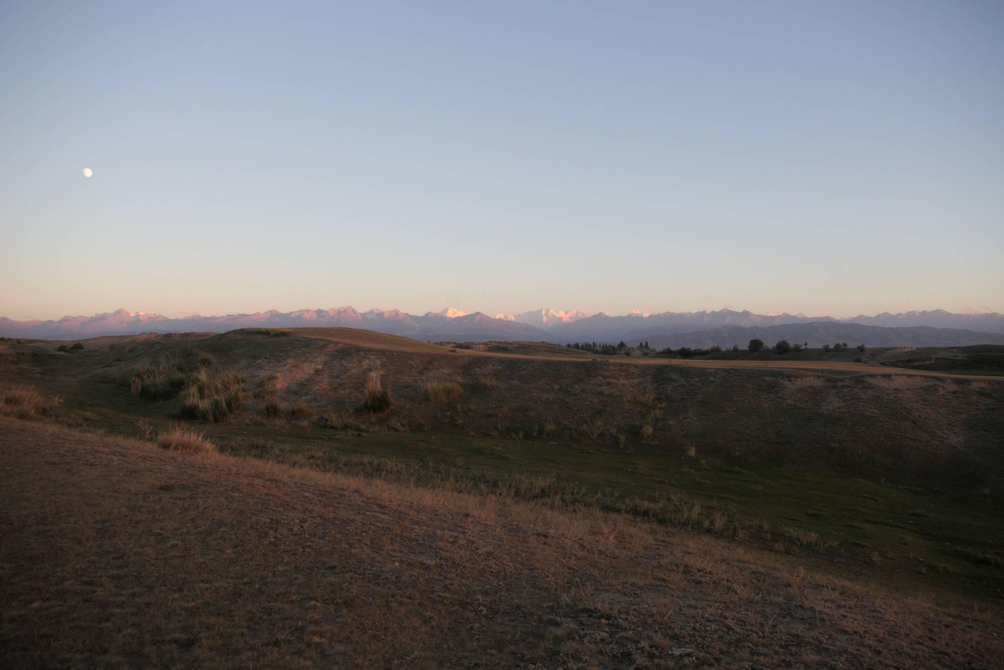 Zachód z widokiem na Karakol