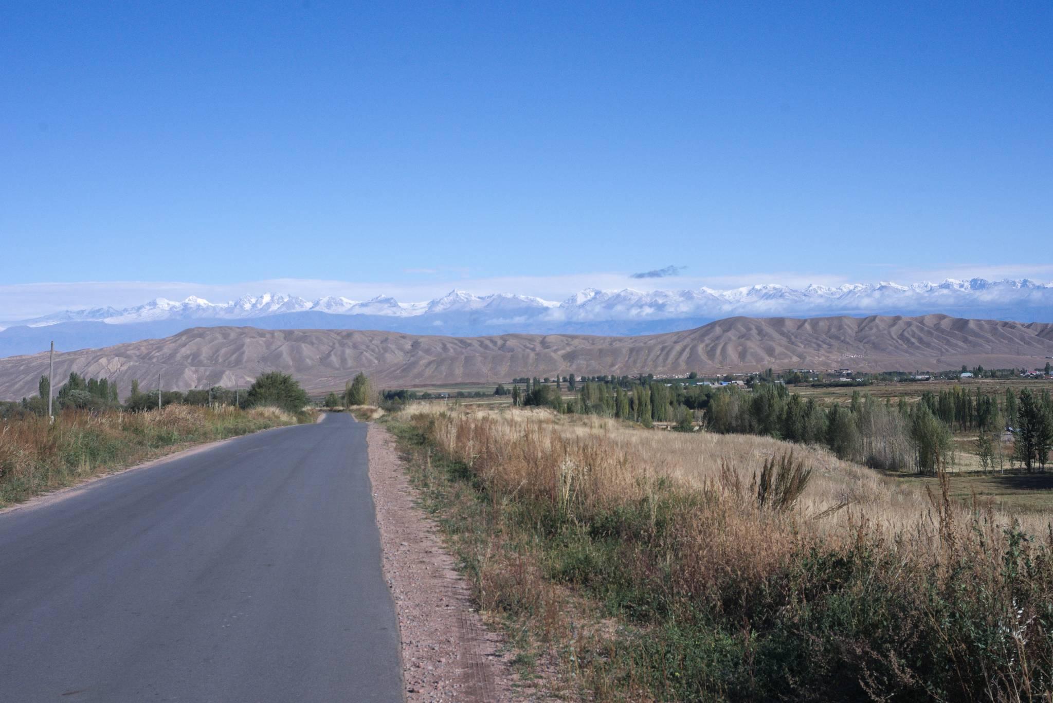 Góry po drugiej stronie bajora
